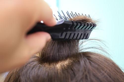 髪にボリュームを出すテクニック