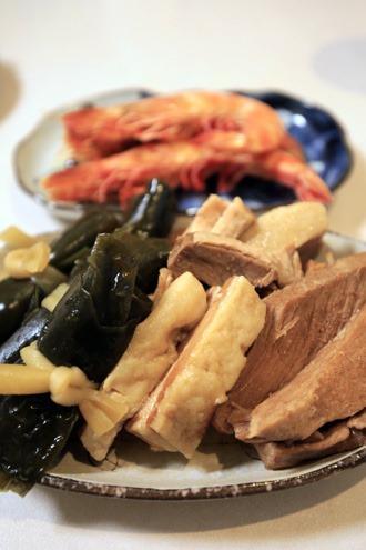 豚肉と昆布の料理