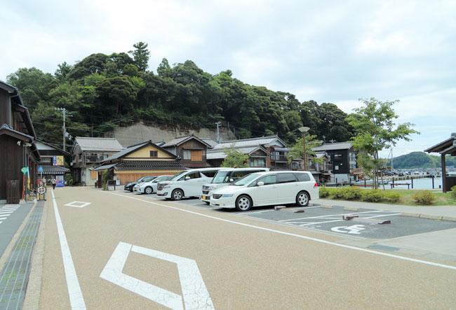 舟屋の町、伊根の駐車場