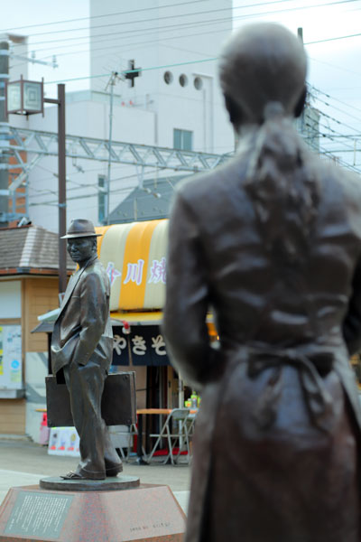 寅さんとさくらの銅像