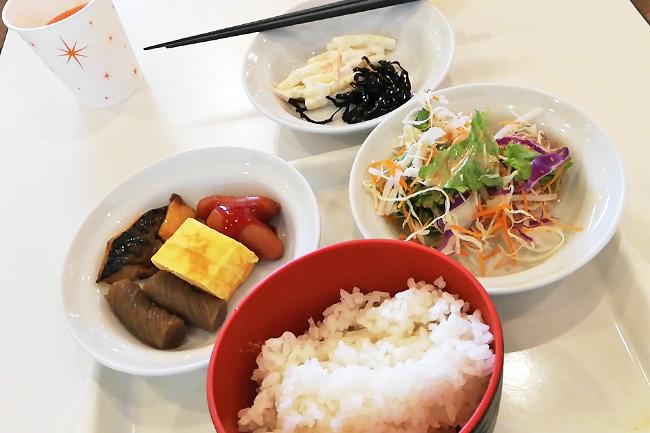 ホテルエコノ東金沢朝食